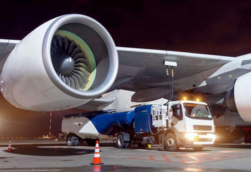 Крупные аэропорты Казахстана ограничили заправку самолетов