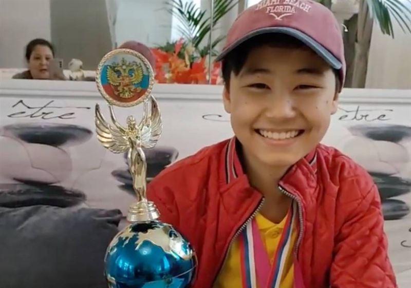 Мальчик из Казахстана победил на международном конкурсе маникюра