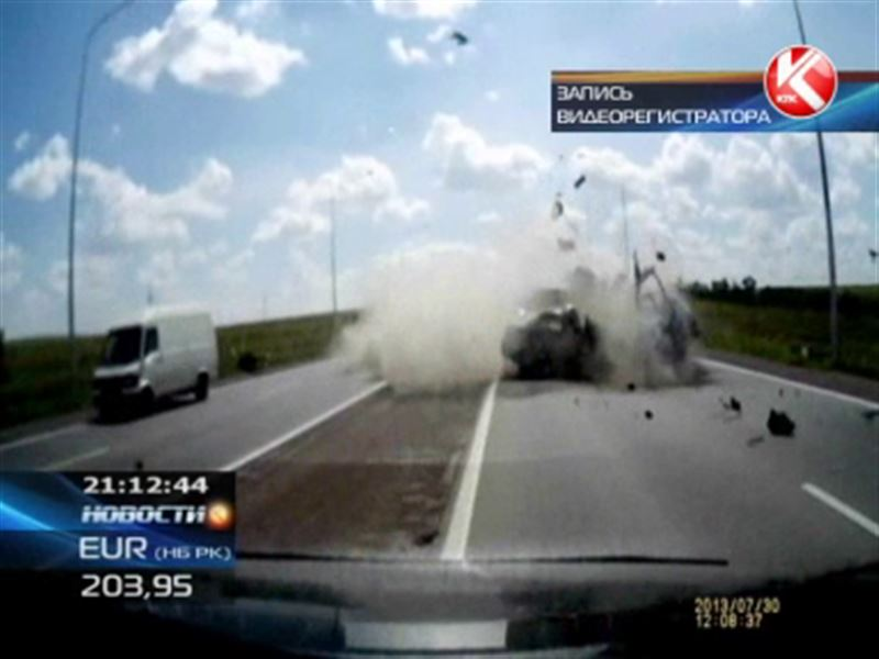 Авария на трассе Караганда -Темиртау унесла жизни сразу трех человек