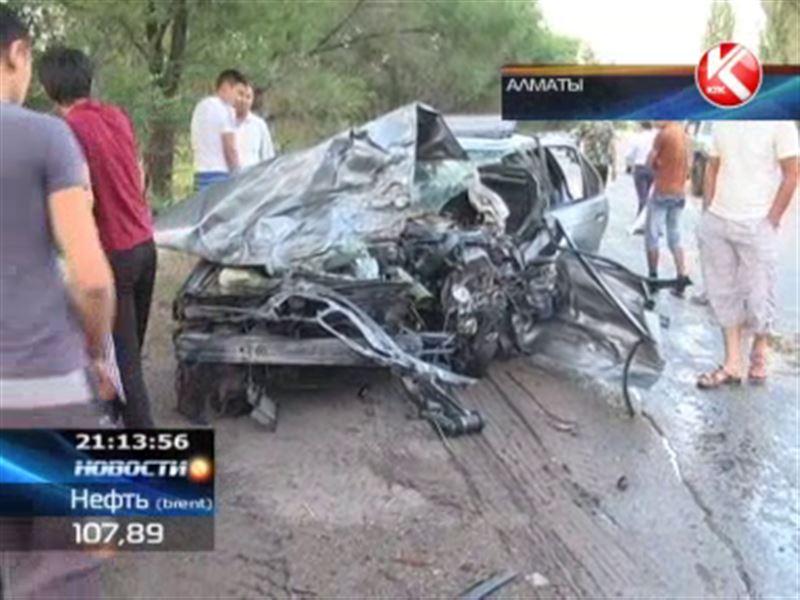BMW выехал на встречную полосу: 4 человека погибли