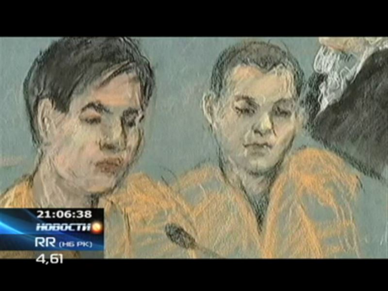 Азамата Тажаякова и Диаса Кадырбаева привезли в американский суд в наручниках и кандалах