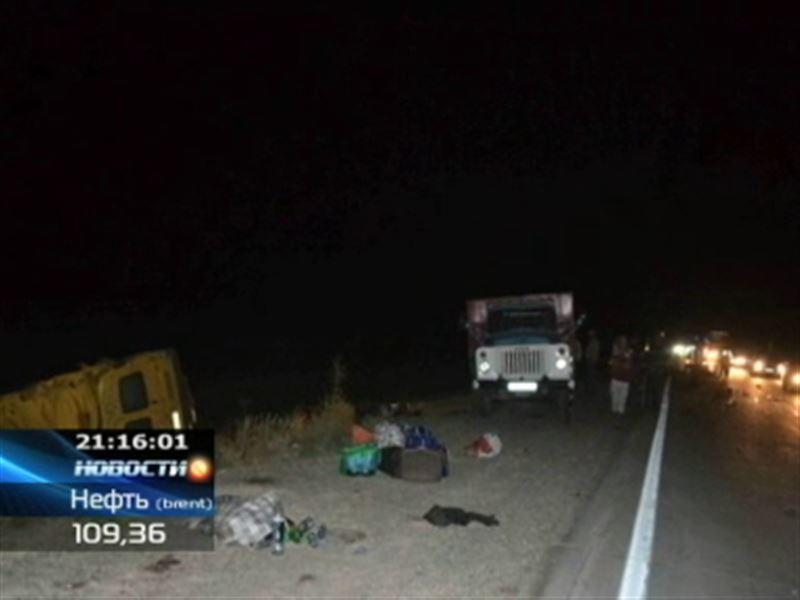 Две жуткие аварии на казахстанских дорогах унесли жизни сразу 8 человек