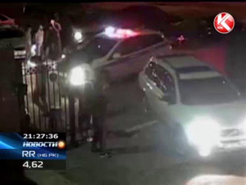 В Атырау голодные полицейские посадили официантов на 5 суток