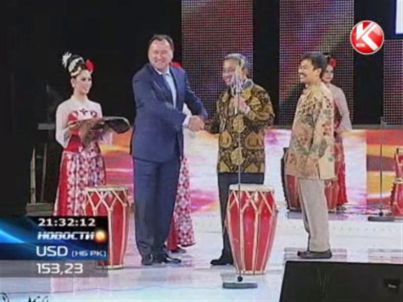 Министры застучали в барабаны - стартовали Дни культуры Индонезии
