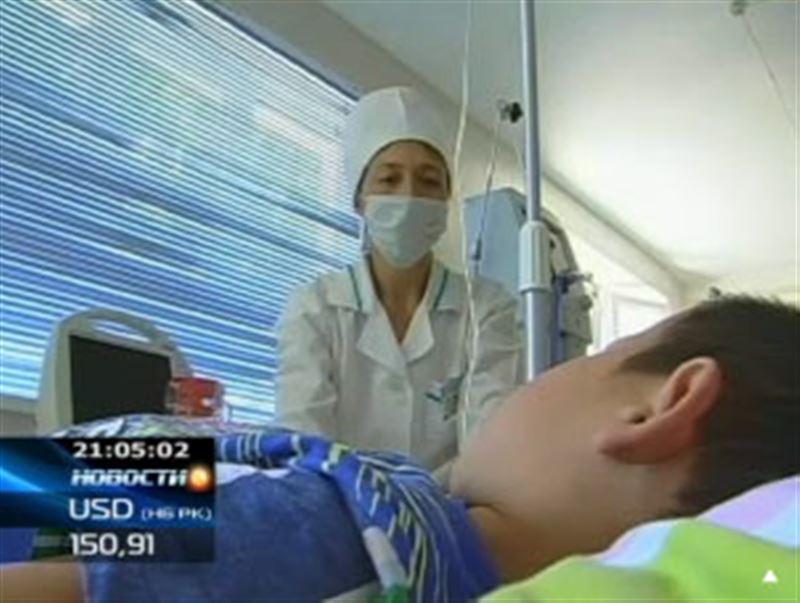 К чему приводят инъекции одеколона: в Южном Казахстане в больницу в тяжелом состоянии попала девочка, лечившаяся у народной целительницы