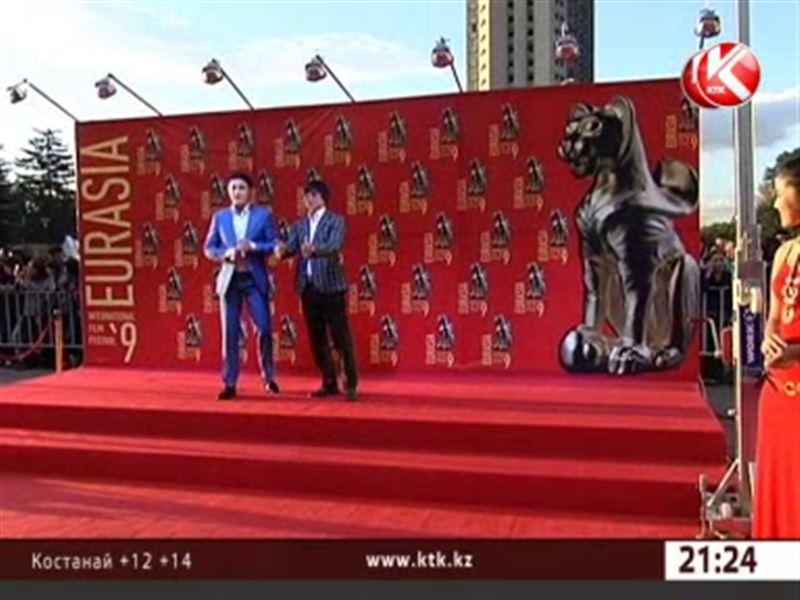 Шарль Азнавур и Джейн Кэмпион приехали на кинофестиваль «Евразия»