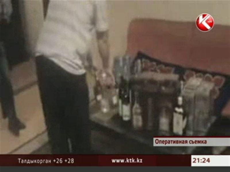 В Астане контрабандное спиртное, которое изымали приставы, снова попадало на рынок