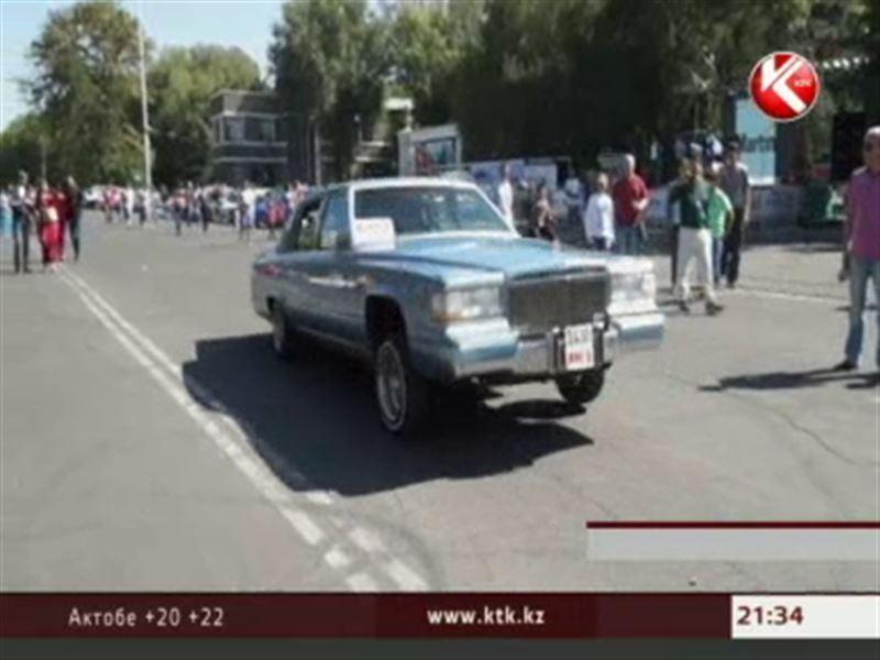 Автошоу в Бишкеке собрало десятки самых необычных автомобилей