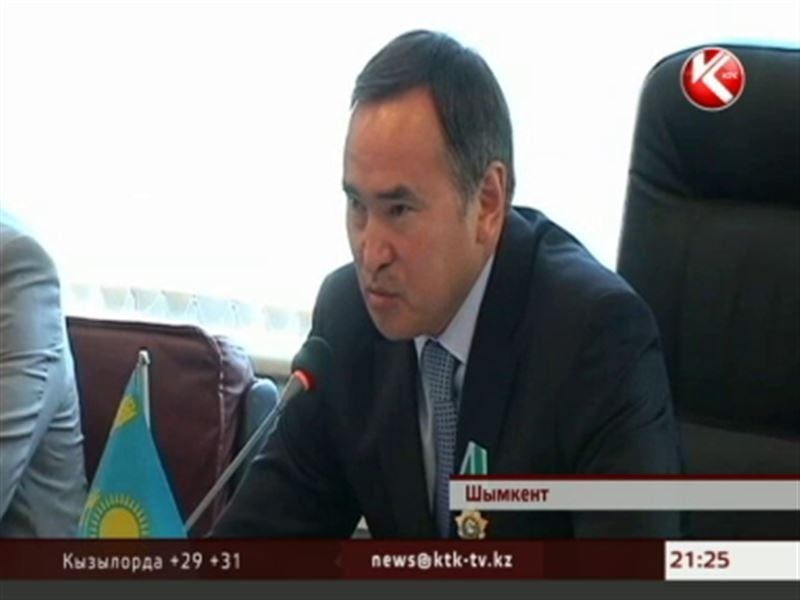 Владимир Путин наградил акима Южно-Казахстанской области орденом Дружбы