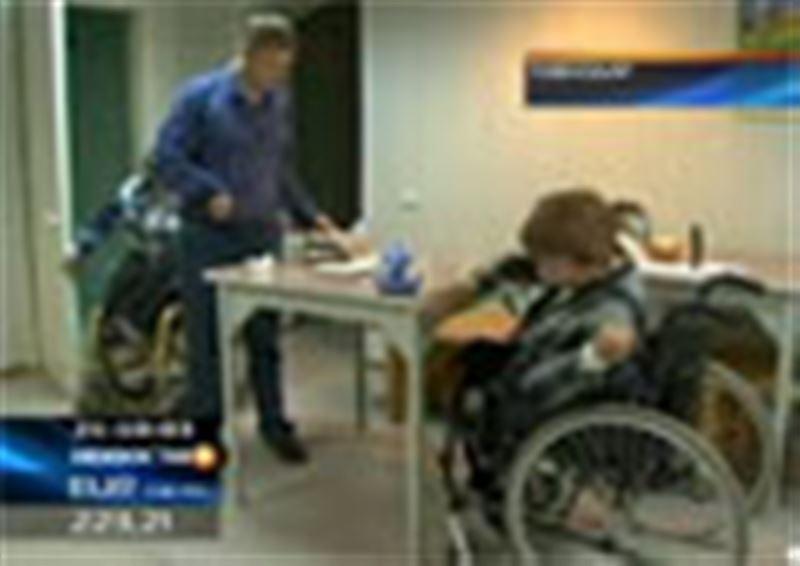Павлодарские инвалиды обвинили чиновников в коррупции