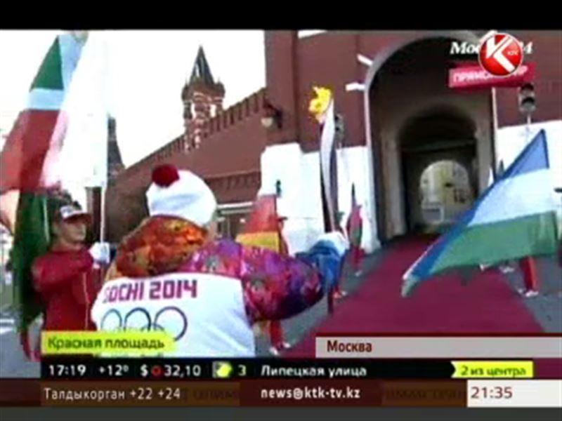 В Москве эстафета олимпийского огня прерывалась три раза из-за потухшего пламени