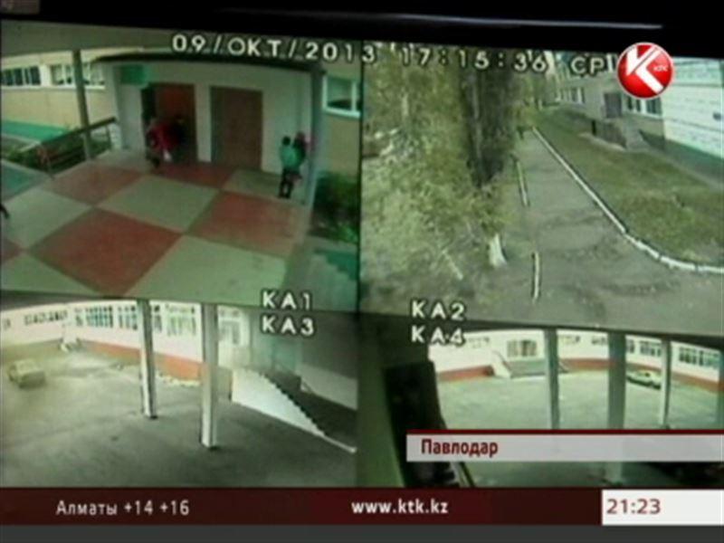 Павлодар сотрясает скандал, в котором снова замешан учитель физкультуры