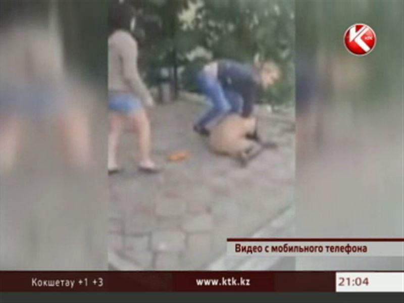 Видеозапись из Атырау взорвала интернет – две подруги жестоко избили третью
