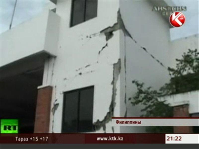 Филиппинцы приходят в себя после разрушительного землетрясения