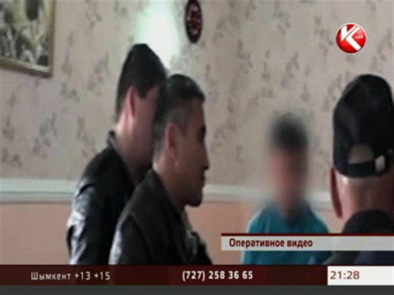 В Жанаозене на взятке в миллион тенге попался майор военной полиции