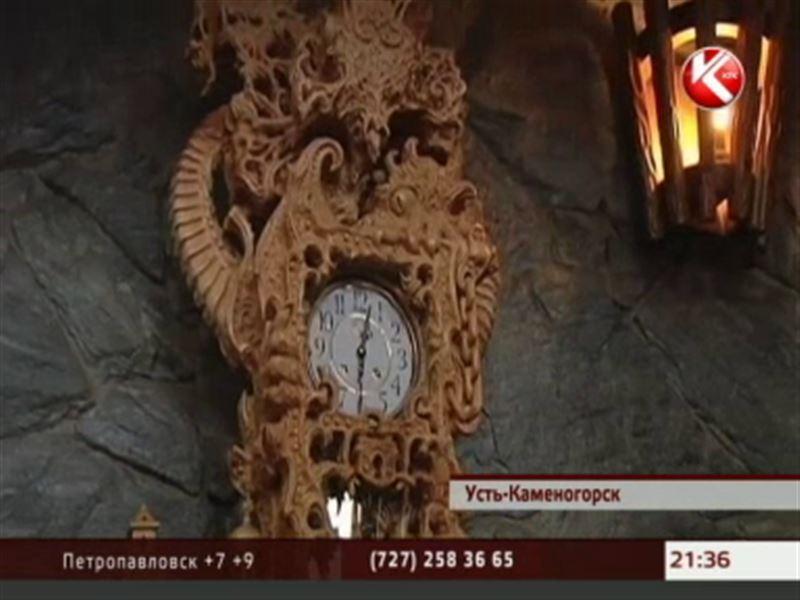 Умелец из Усть-Каменогорска изготовил гигантские часы и мечтает их подарить Владимиру Путину