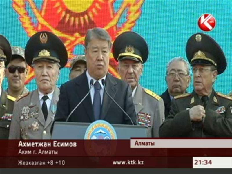 День призывника  в Алматы: в казармы отправили первую партию осенних срочников