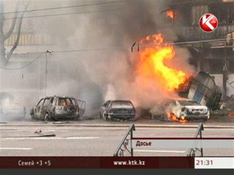 Полиция так и не смогла установить причину аварии с участием бензовоза в центре Алматы