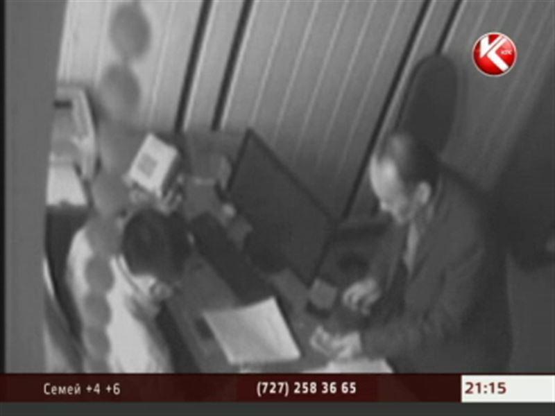 В Караганде финансовые полицейские сняли целый сериал о взятках