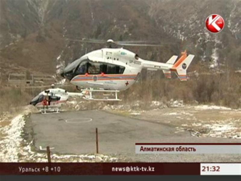 Казахстанских спасателей французские асы учили летать в горах
