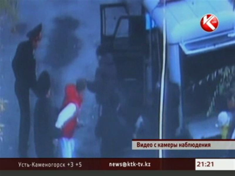 В Караганде полицейские застрелили питбуля и ранили его хозяйку-наркоторговку