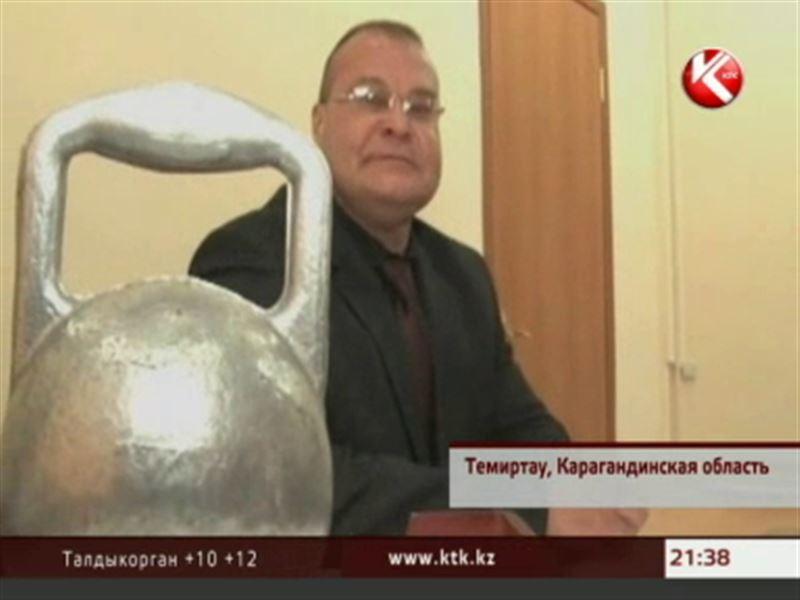 Заместитель акима Темиртау привез две золотые медали с чемпионата мира по пауэрлифтингу