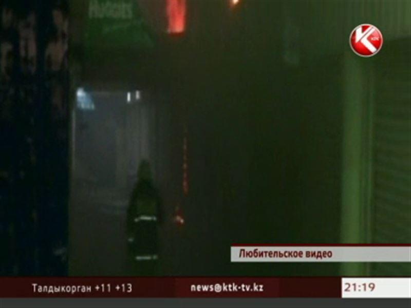 В Алматы снова горел базар – огнем уничтожены продукты питания