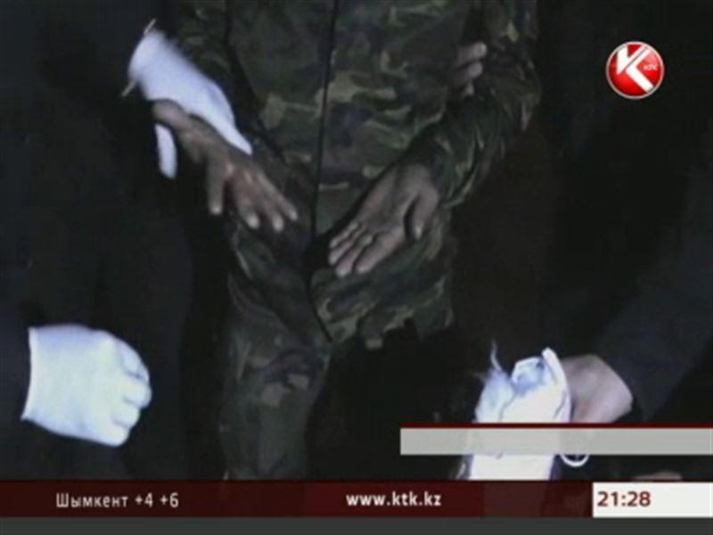 В Шымкенте задержали поставщика наркотиков для заключенных