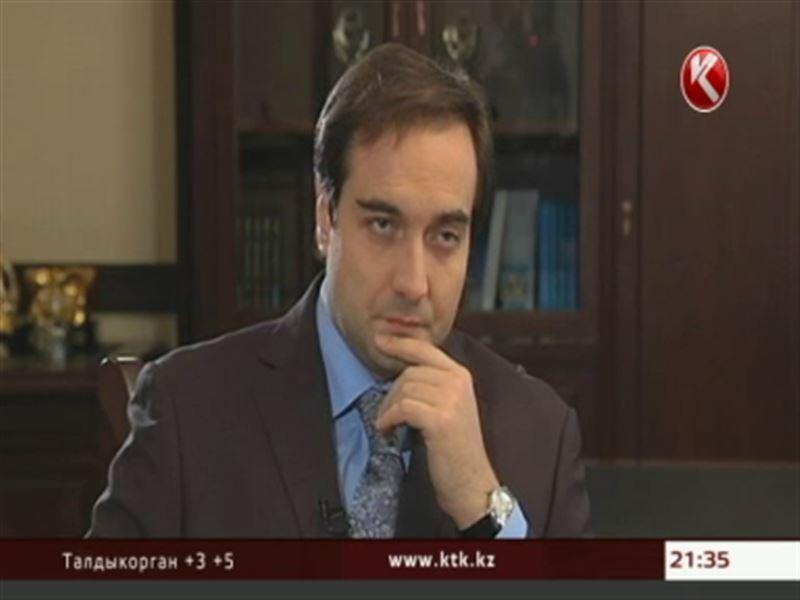Аскар Жумагалиев, министр транспорта и коммуникаций, в студии программы «Слуги народа»
