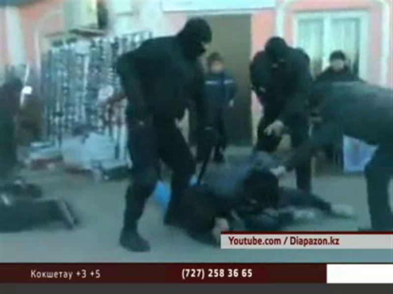 В интернете появилось видео скандального ареста на актюбинском рынке