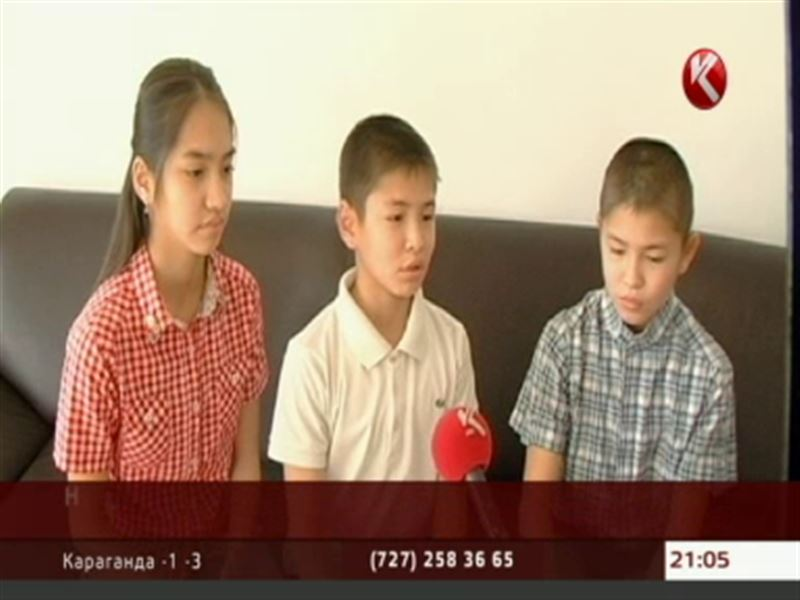 Нур, Султан и Сара из Атырау поздравили Президента с его профессиональным праздником