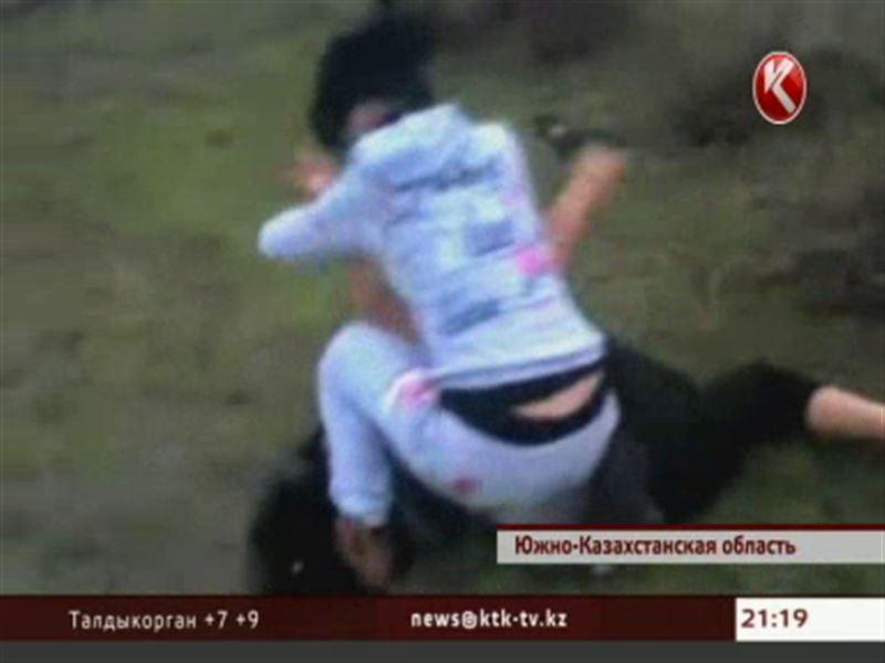 В сеть выложили кадры жестокой женской драки на окраине аула