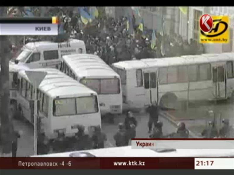 В Киеве сторонники оппозиции пока улицах, но активных действий не предпринимают
