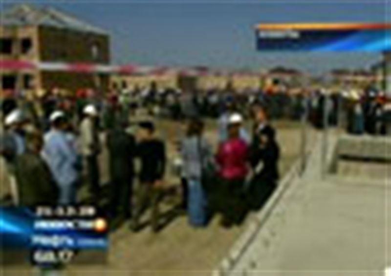 В Алматы забастовку устроили не дольщики, а директора и строители четырнадцати подрядных организаций