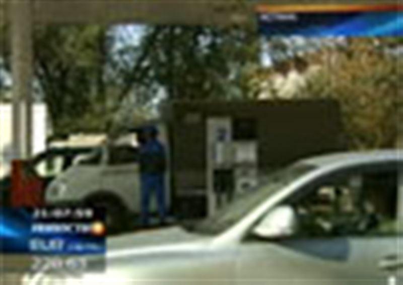 Бензиновый кризис в Алматы в самом разгаре