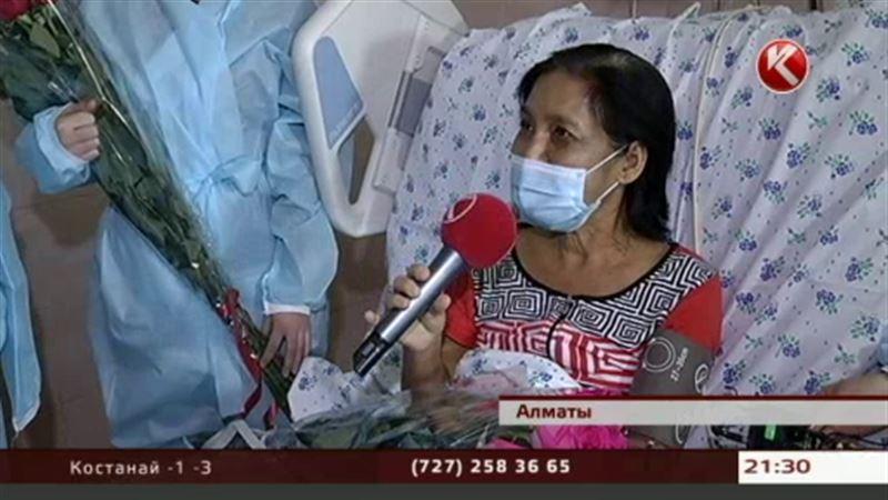 В Алматы дочь спасла жизнь родной матери, отдав ей половину печени