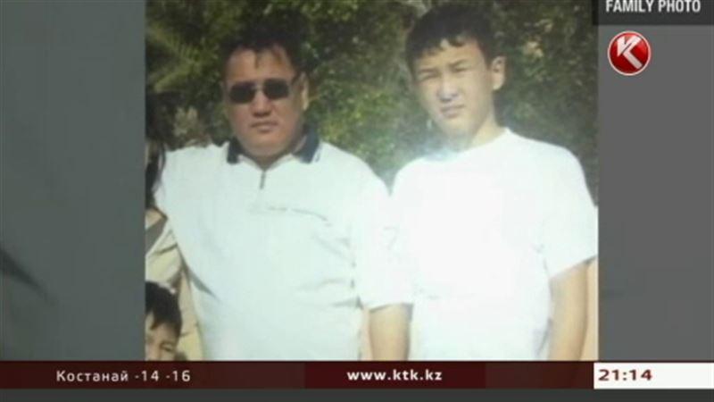 Отца Азамата Тажаякова лишили депутатских полномочий