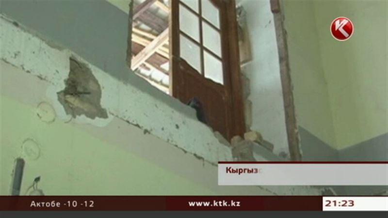 В Кыргызстане во время поминальной службы  обрушилось здание медресе
