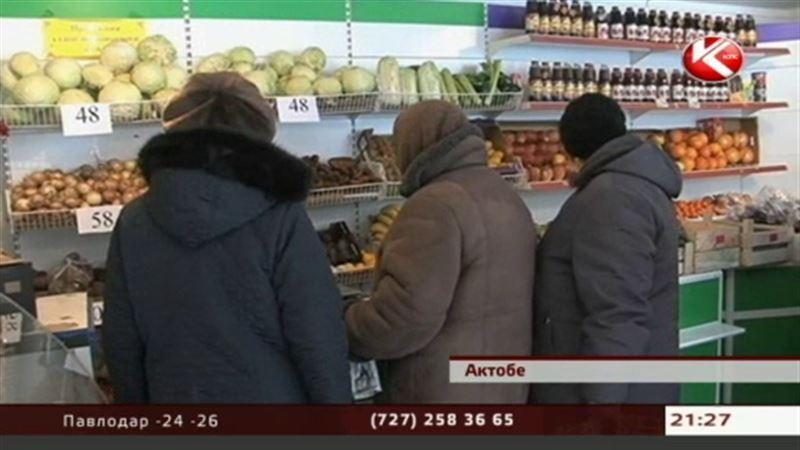 На актюбинских рынках в одни руки дают теперь не больше 4 килограммов картошки