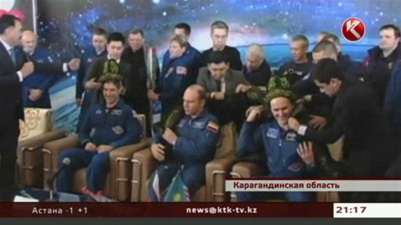 В Карагандинской области приземлились космонавты