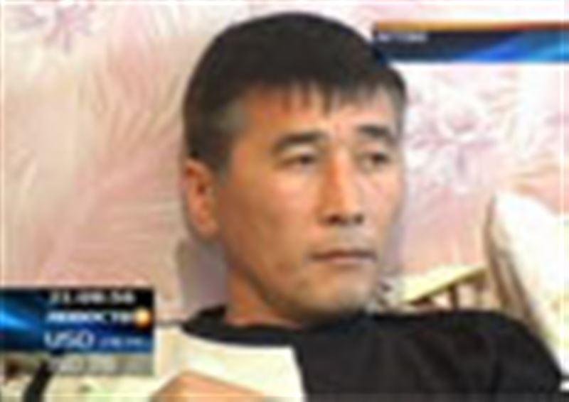 В Актобе один из дальнобойщиков, объявивших голодовку, с сердечным приступом попал в больницу