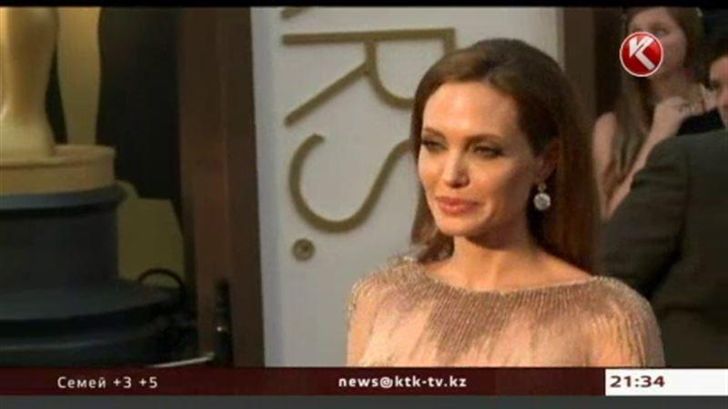 Джоли боится рака и готова расстаться с яичниками