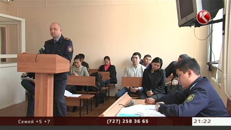За проделки фанатов Кайрата Нуртаса ответил директор алматинского торгового центра