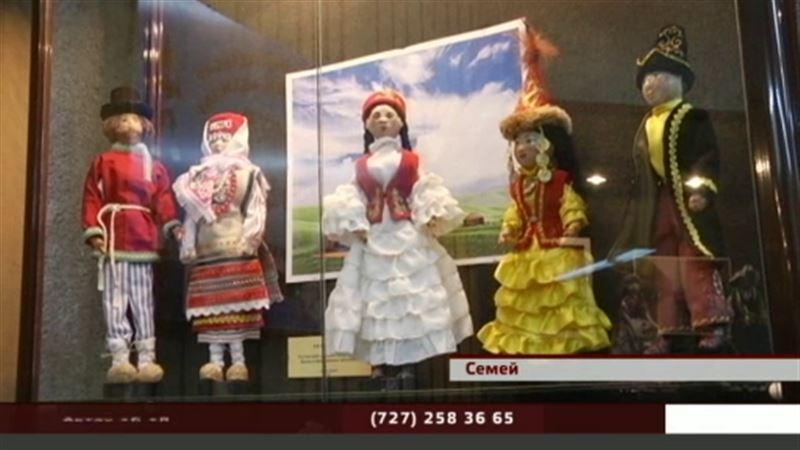 Кукол, снимающих порчу и спасающих от депрессии, выставили в музее Семея