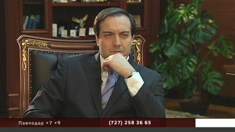 На вопросы Артура Платонова отвечает председатель правления холдинга «Байтерек» Куандык Бишимбаев