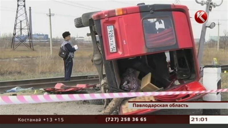 ЧП павлодарском Аксу: тепловоз врезался в микроавтобус, в котором находились ученики лицея