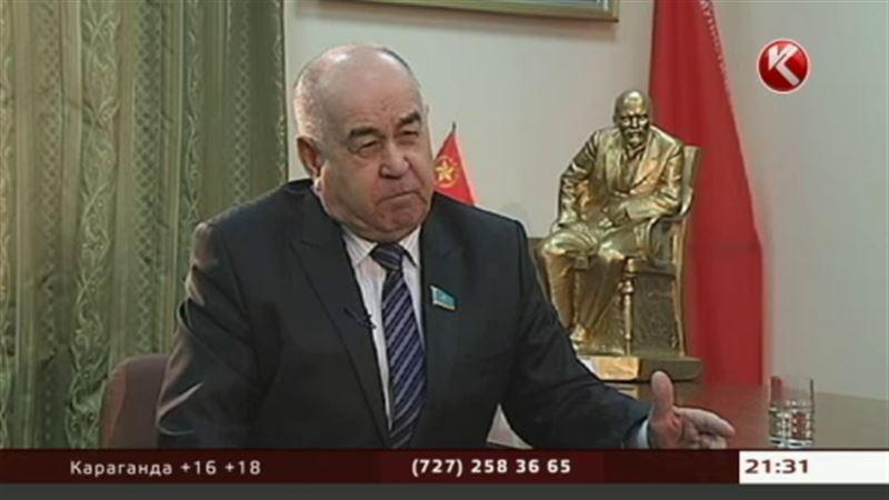 На вопросы Артура Платонова отвечает лидер фракции «Народные коммунисты» Владислав Косарев