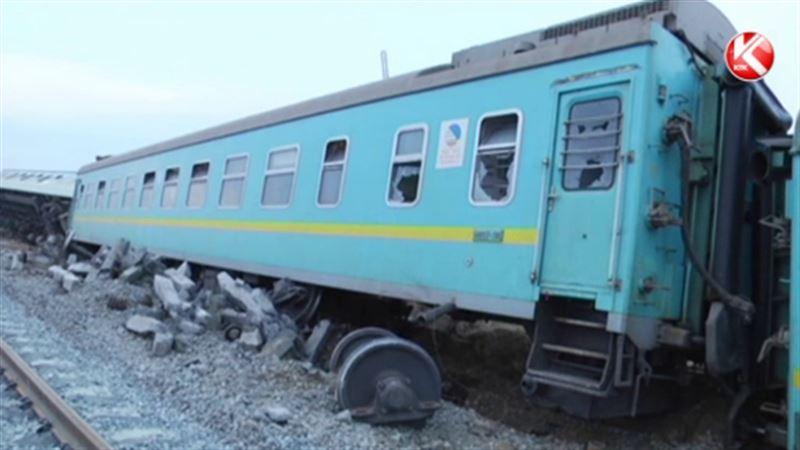 В Атырауской области перевернулся пассажирский поезд: 8 человек пострадали