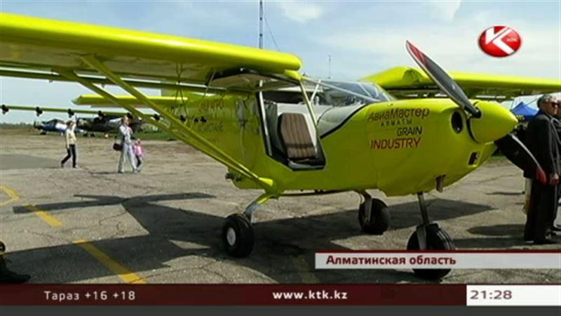 Казахстанские конструкторы собрали самолет для фермеров и продали его в Россию