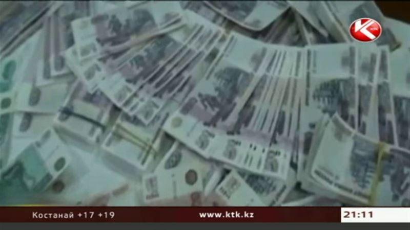 Российский рубль перестает пользоваться популярностью у казахстанцев